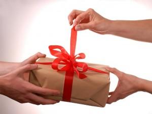 Каким подарком можно удивить своего любимого мужчину