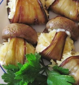 Баклажаны с грибами и сыром