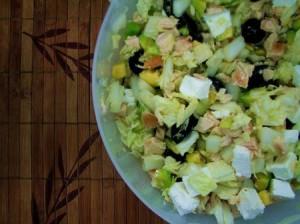 Салат с курицей и авакадо