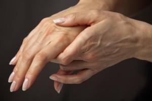 Болят-пальцы-на-руках-причина2